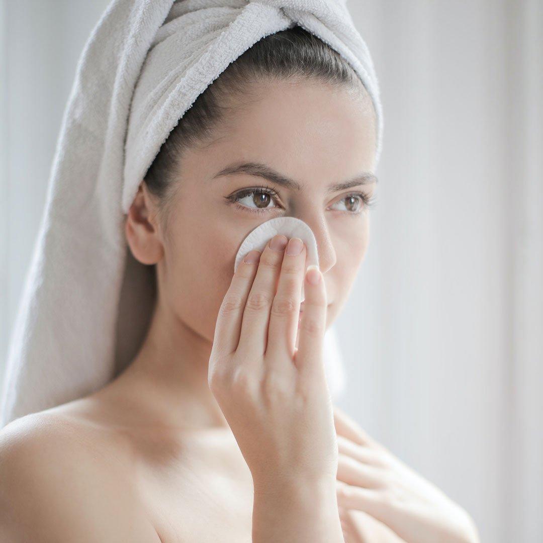 Hidrata y protege tu piel con productos de composición ligera